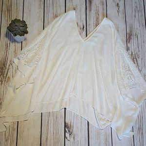 LoveStitch One Size Kimono Lace Top